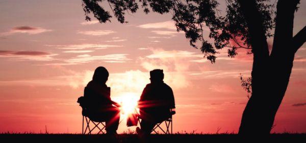 Rodzaje testamentów - starsza para ludzi